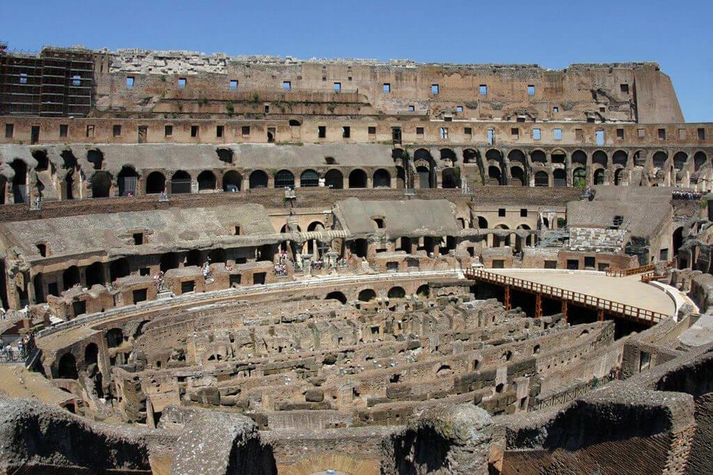 Rome-Colisee-interieur